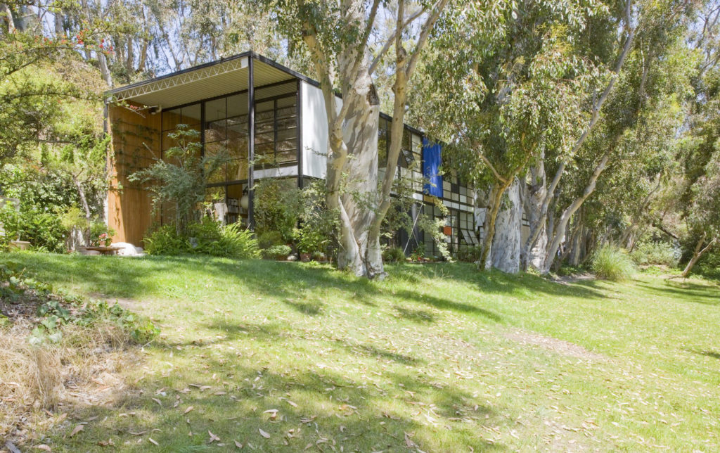 Getty Institute Teams on Conservation Plan for Eames House in L.A. -ARTnews