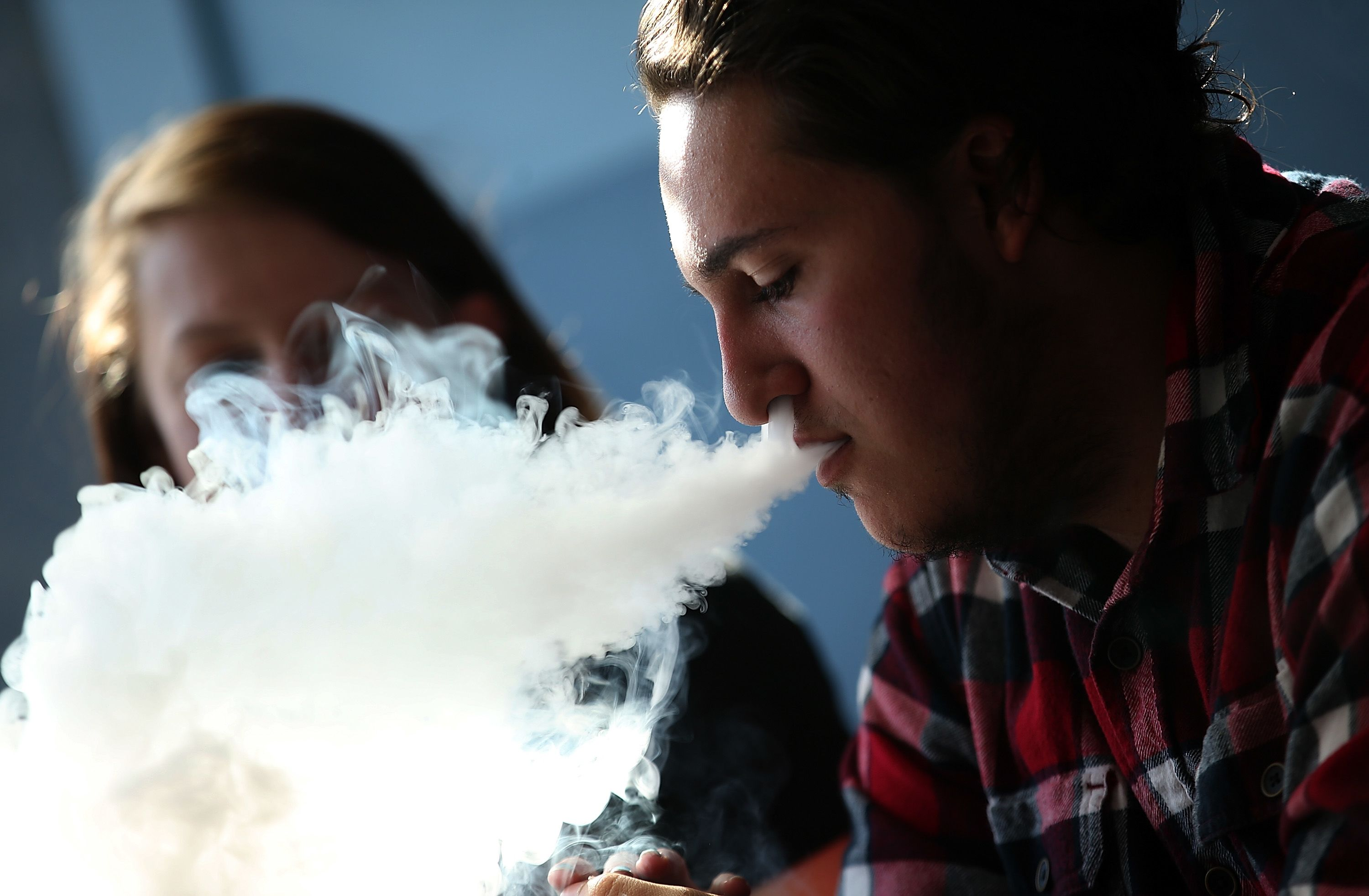 Federal judge orders FDA to begin review of e-cigarettes