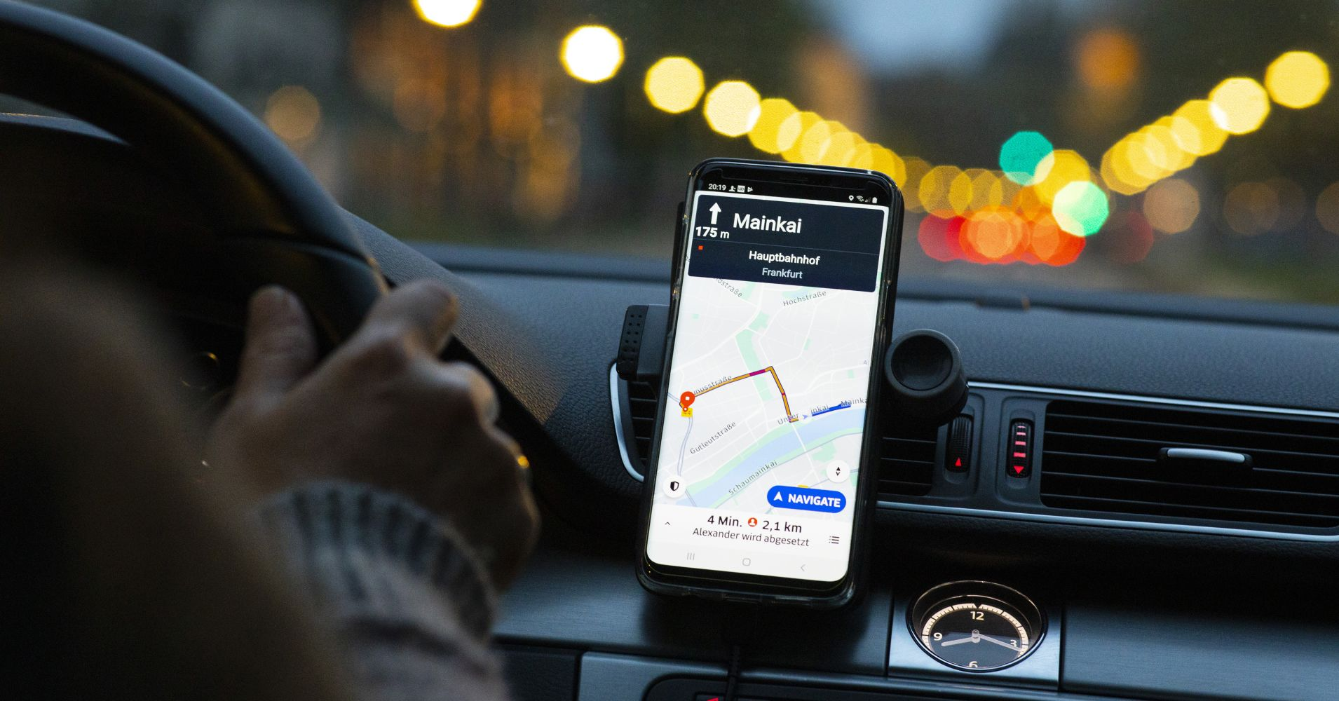 How Uber is losing money as it goes public