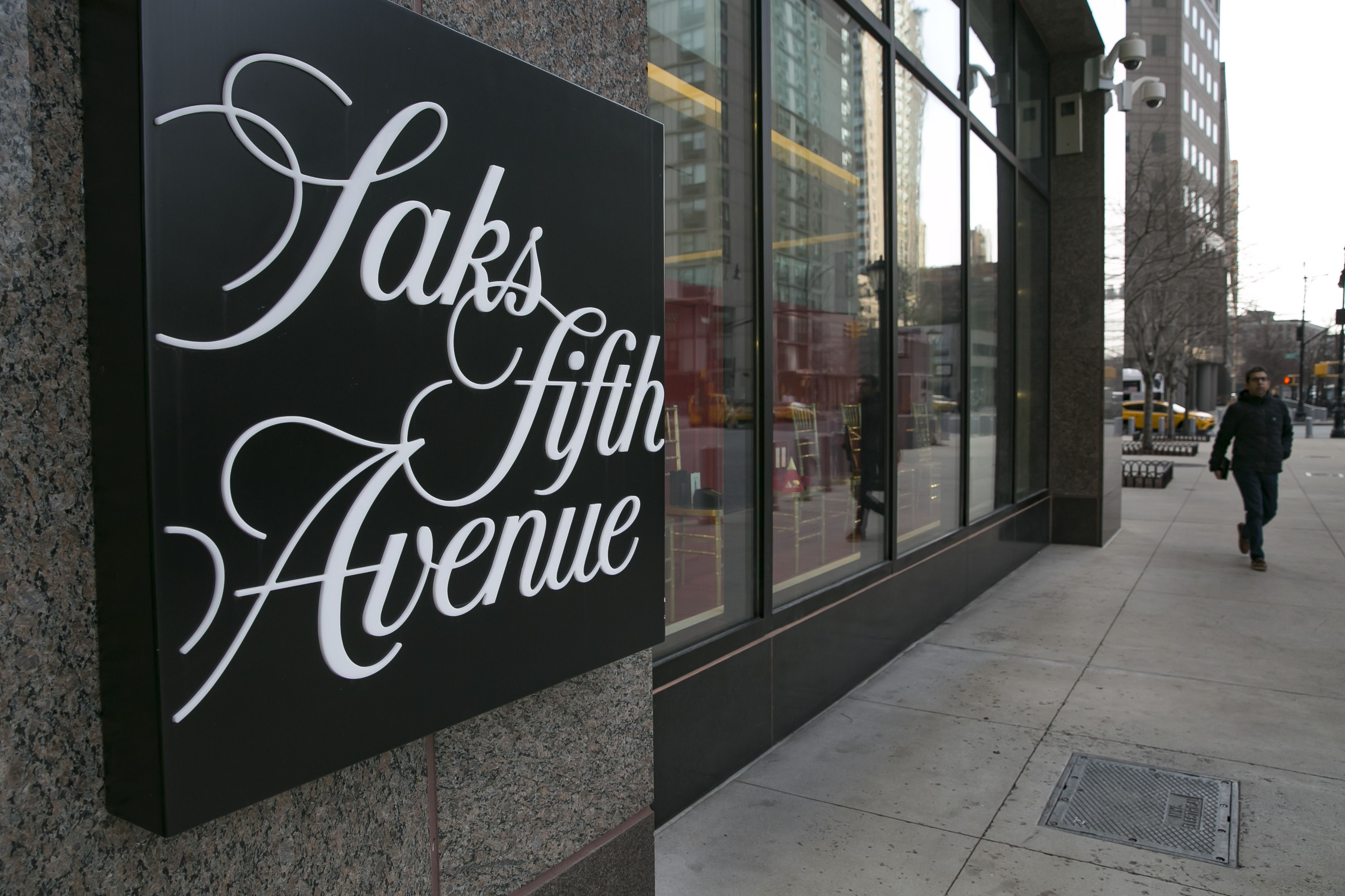 Chairman of Saks-owner Hudson's Bay Company bids to buy retailer