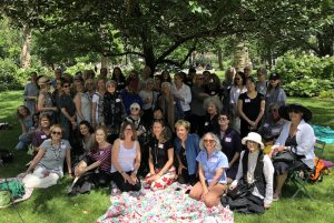 Former Recipients of Anonymous Was a Woman Artist Grants Assemble in New York Park for Star-Studded Picnic -ARTnews