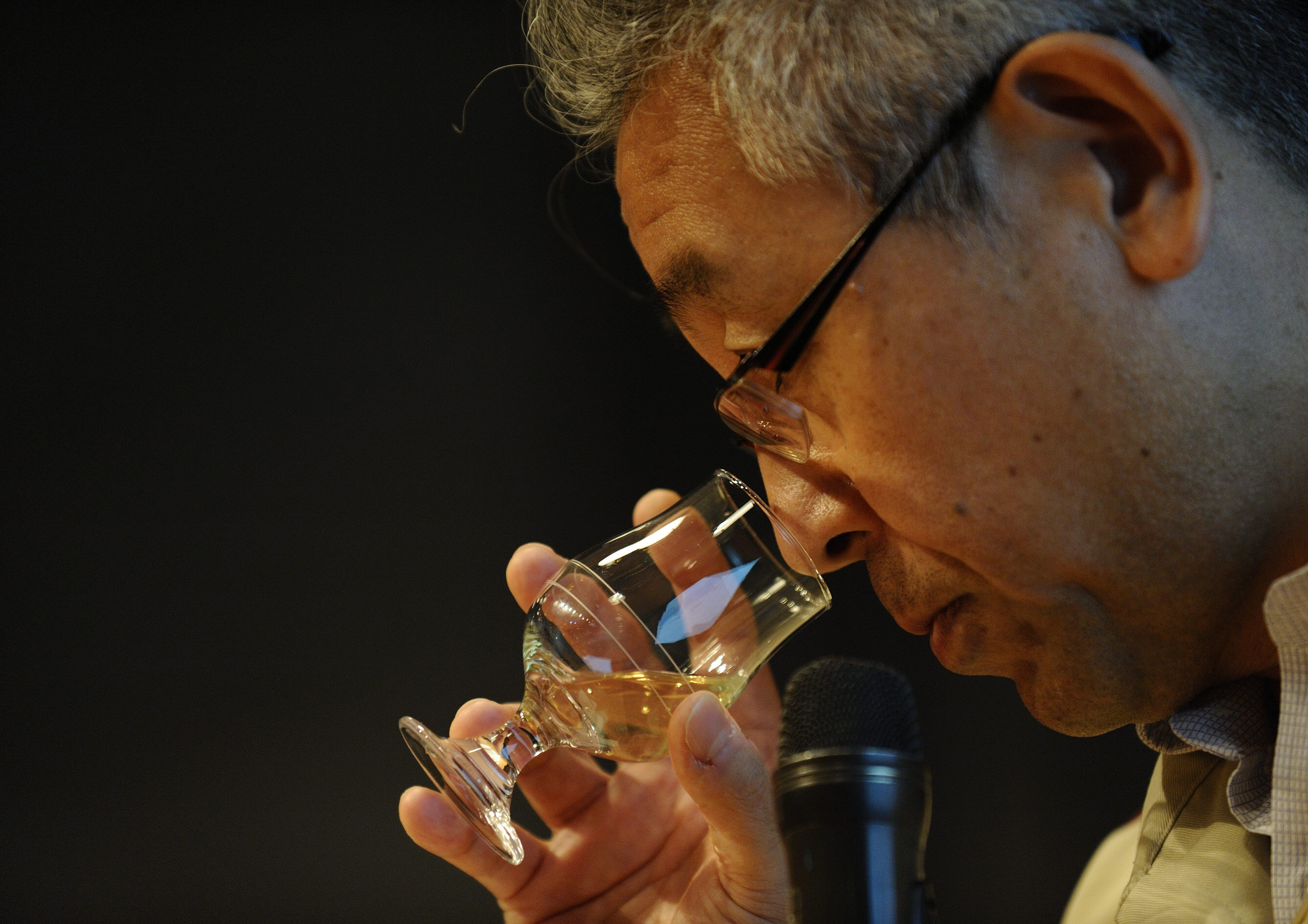 Japanese brewer Suntory to hold off investing in China amid trade war