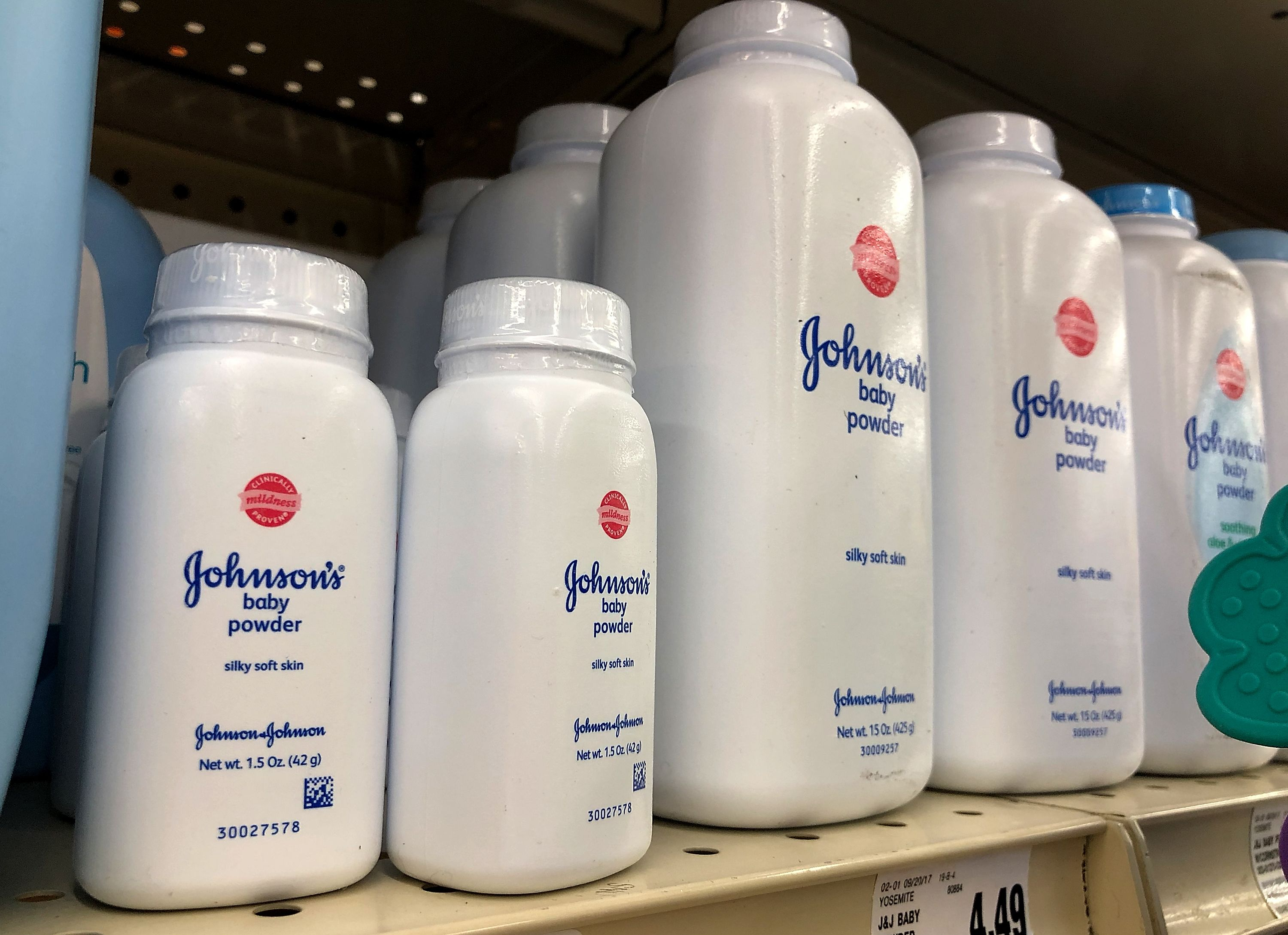 Judge denies J&J's request to transfer talc lawsuits to federal court