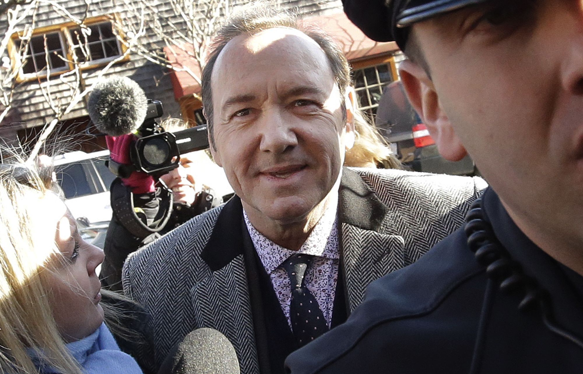 Kevin Spacey groping lawsuit dropped by accuser