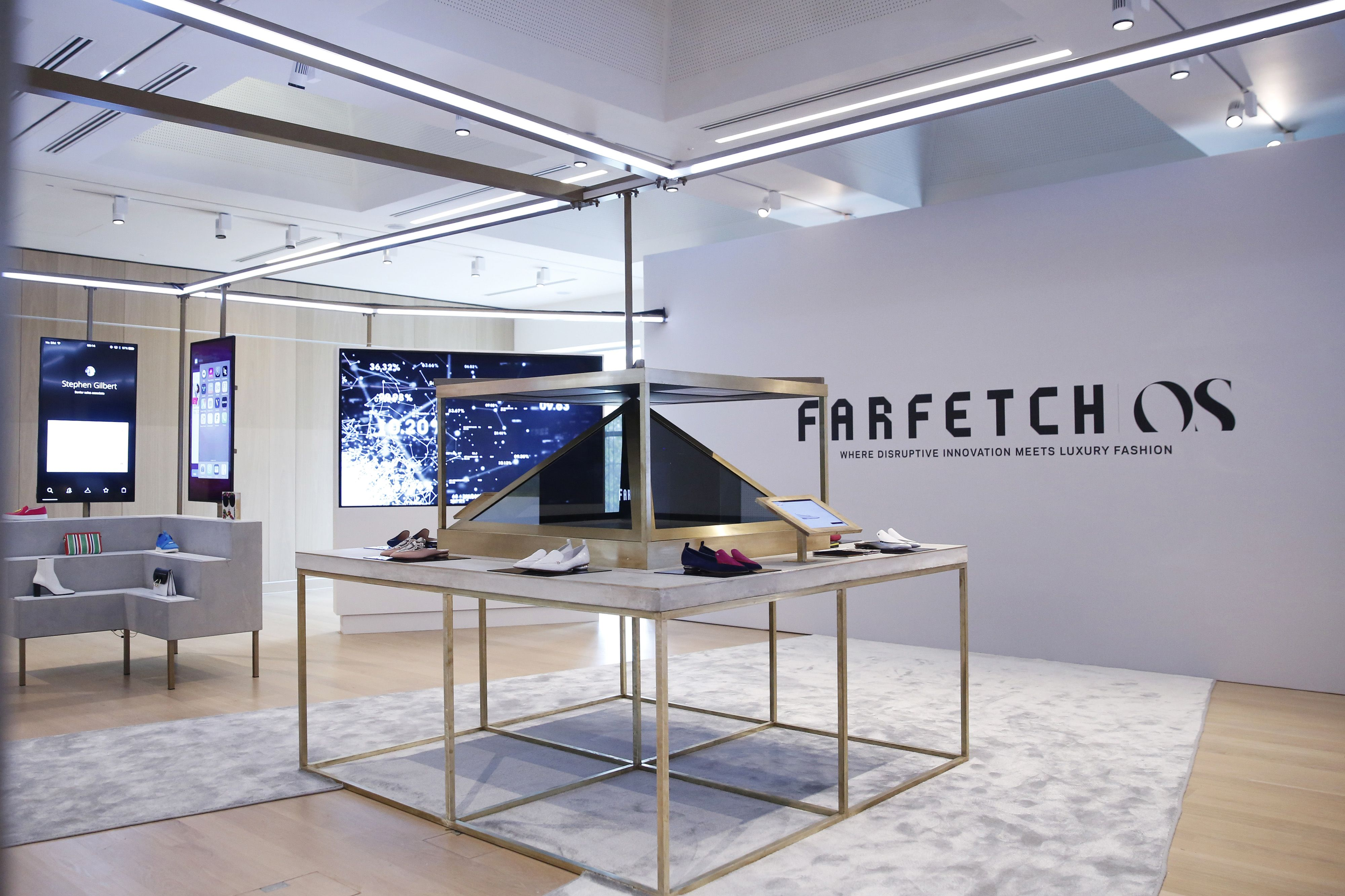 Why Farfetch's stock cratered despite acquisition of a megabrand