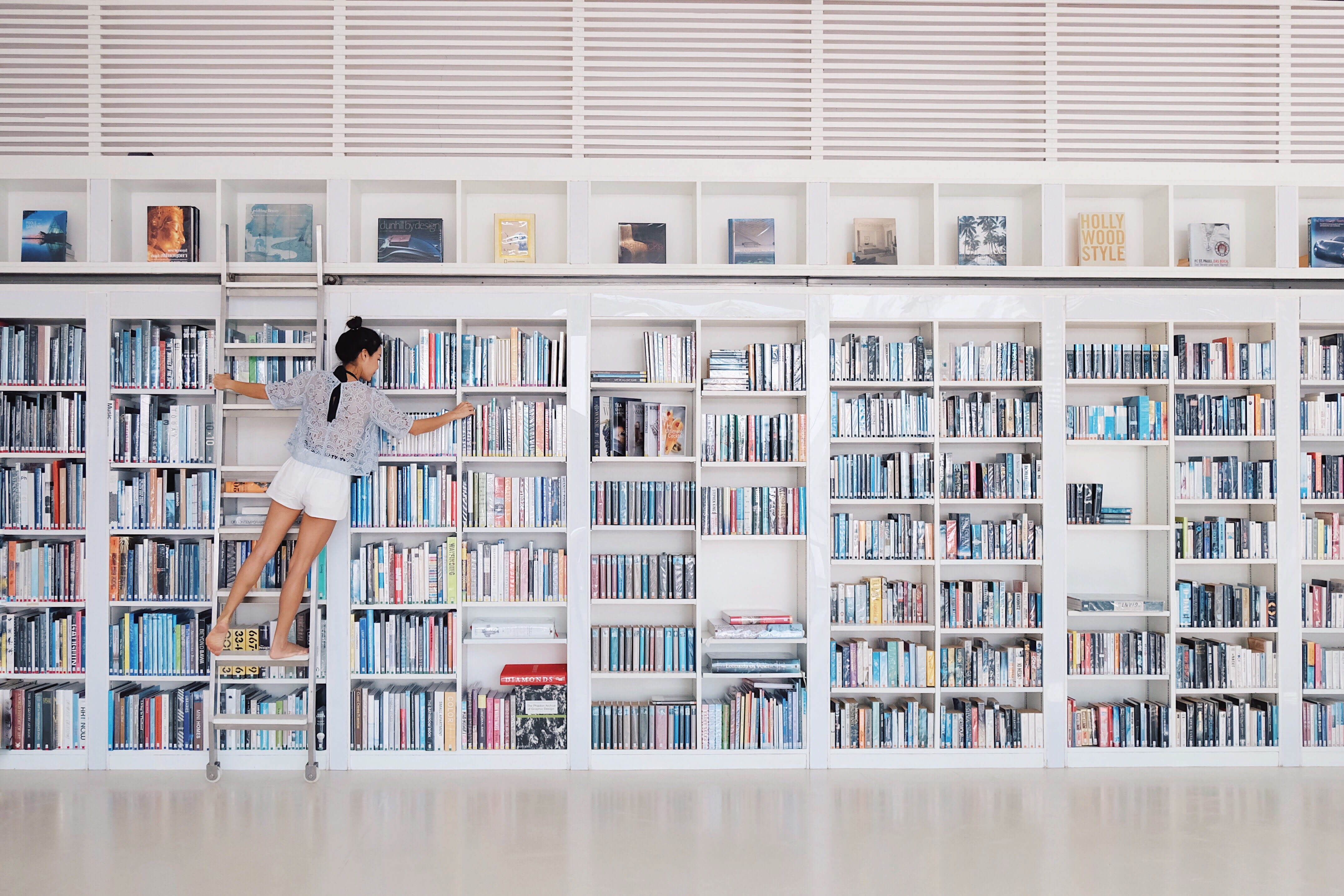 Physical books still outsell e-books — and here's why