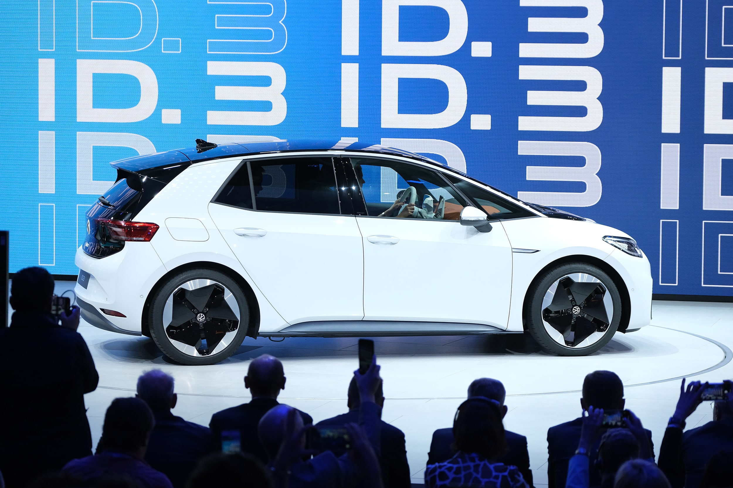 Will electric cars be able to save Volkswagen from its diesel emissions scandal?