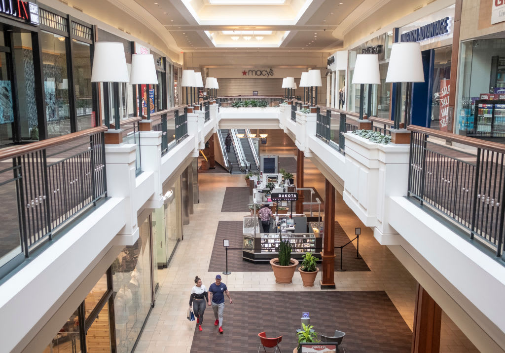 How mall closings in America hurt the towns depending on them