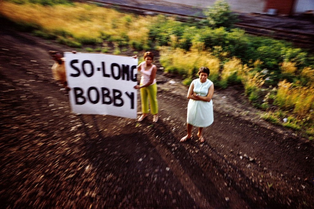 Famed Magnum Photographer of RFK Funeral Train Dies – ARTnews.com