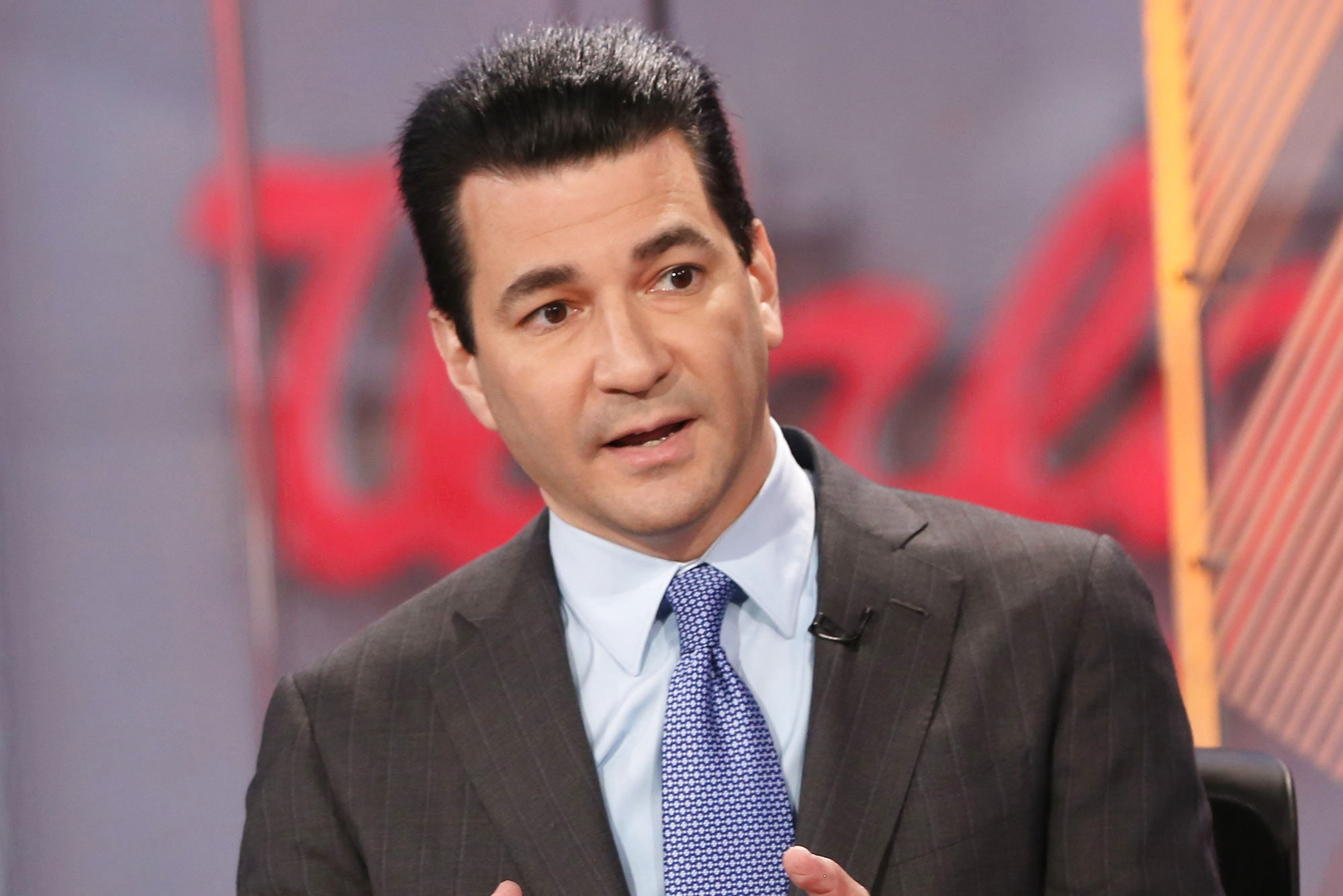 Gottlieb says worst of outbreak will pass by January