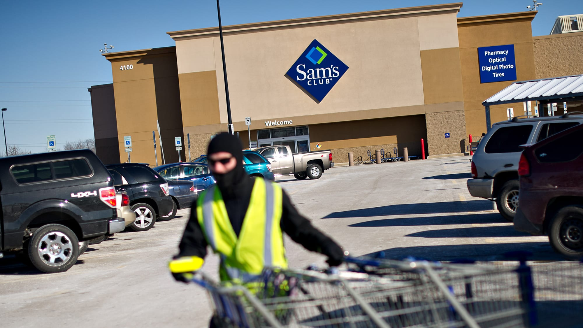 Sam's Club adds petite packs for smaller holiday gatherings