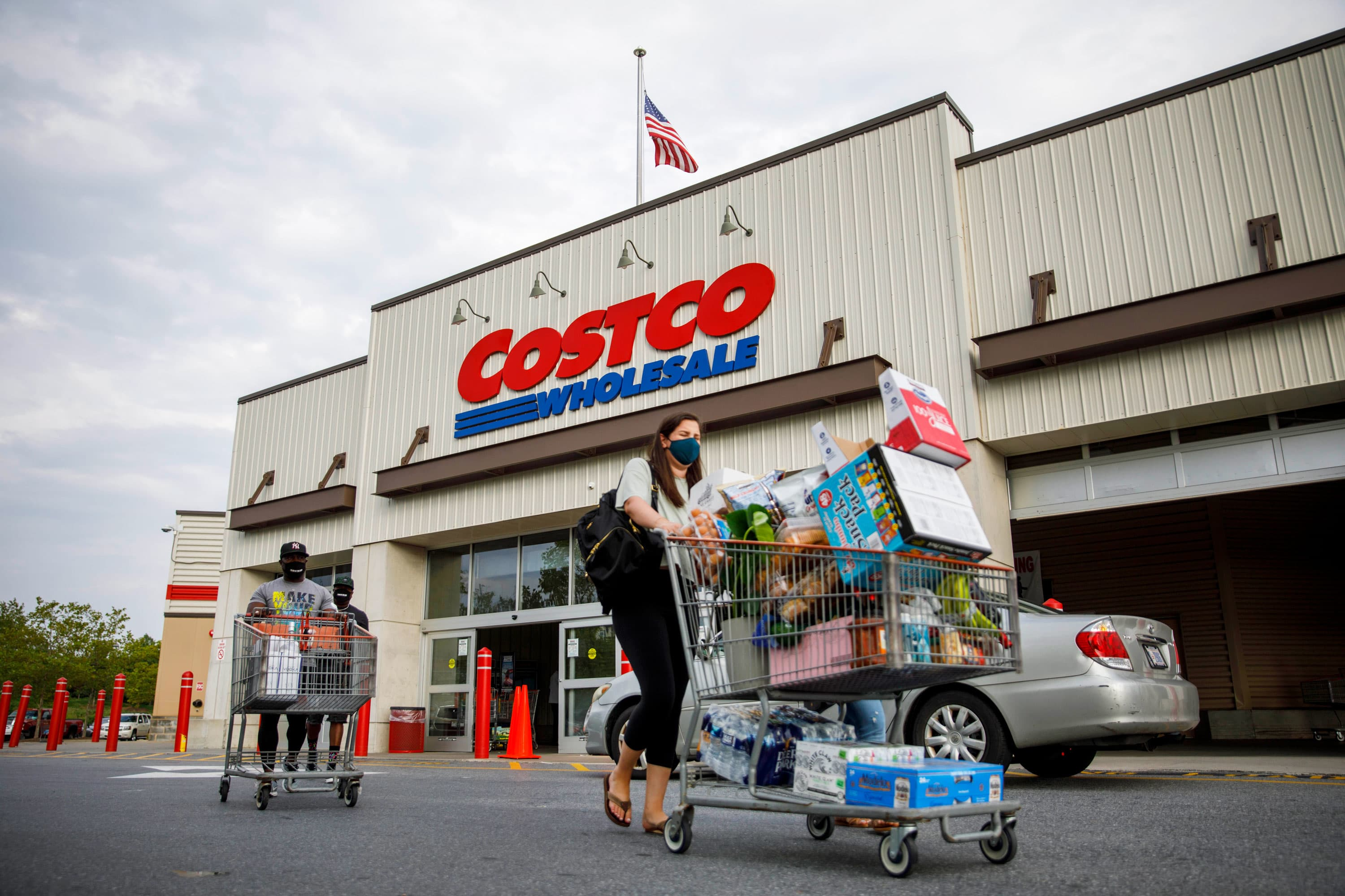 Costco CEO says brick-and-mortar remains key even as e-commerce grows