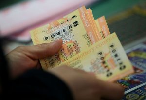Powerball jackpot soars to $550 million. Here's the tax bill