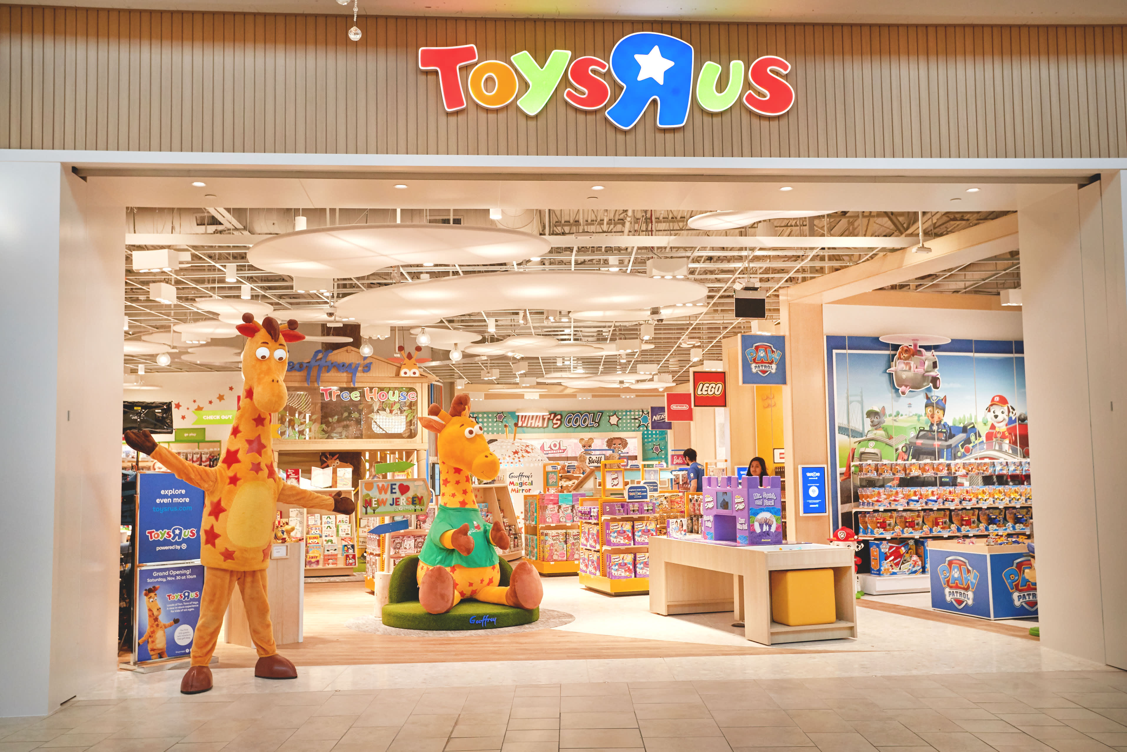 Toys R Us' last two stores in the U.S. are reportedly closed for good