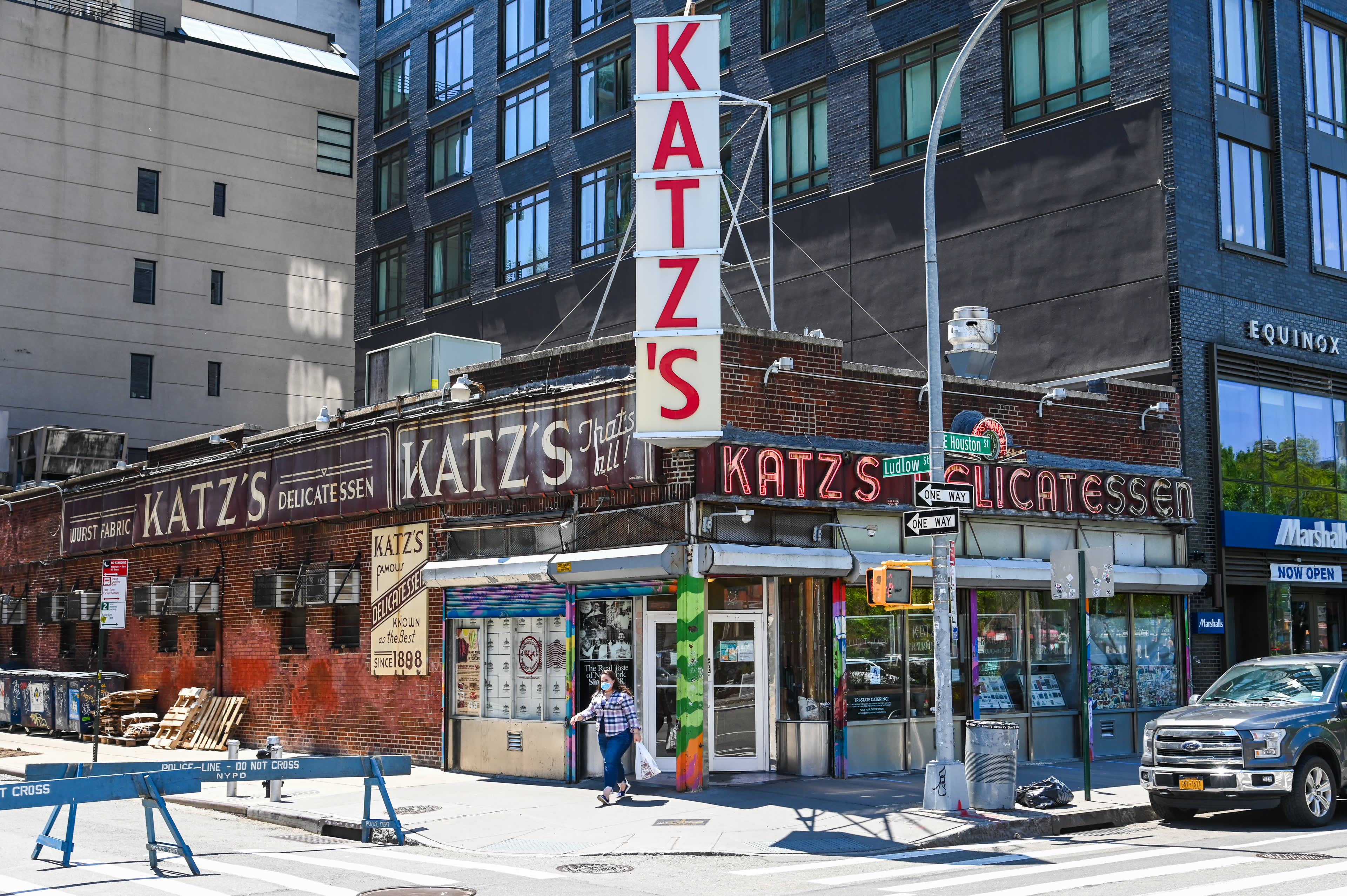 Katz's deli survived the 1918 pandemic. Now, it's navigating Covid