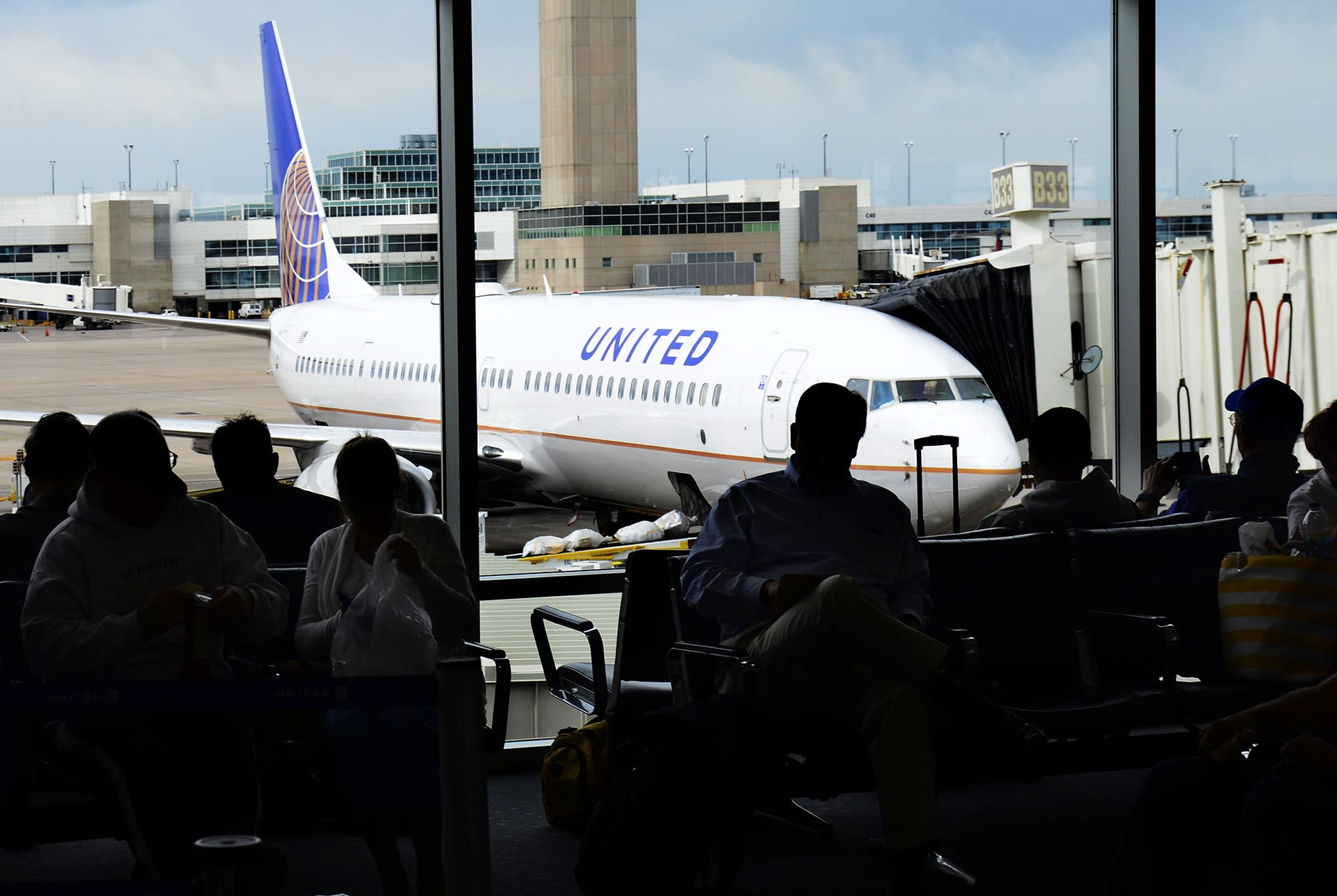 United Airlines starts offering bus service straight to Colorado ski slopes from Denver