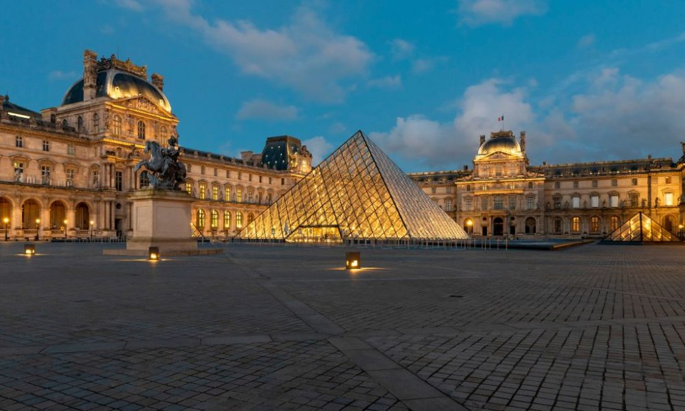 With Help from Antiquities Expert, Louvre Recovers Two Stolen Pieces of Armor
