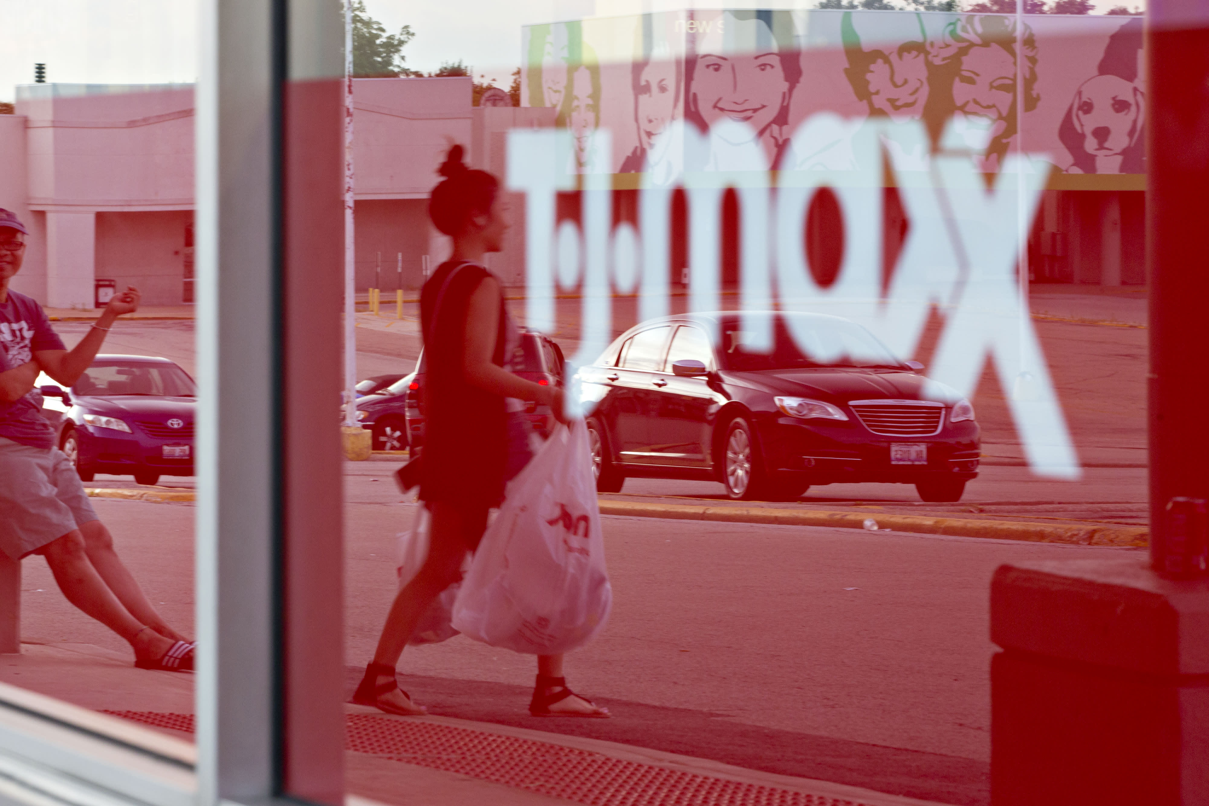 Discount retailers TJX, Ross stage a comeback as shoppers crave 'treasure hunting' for clothes again