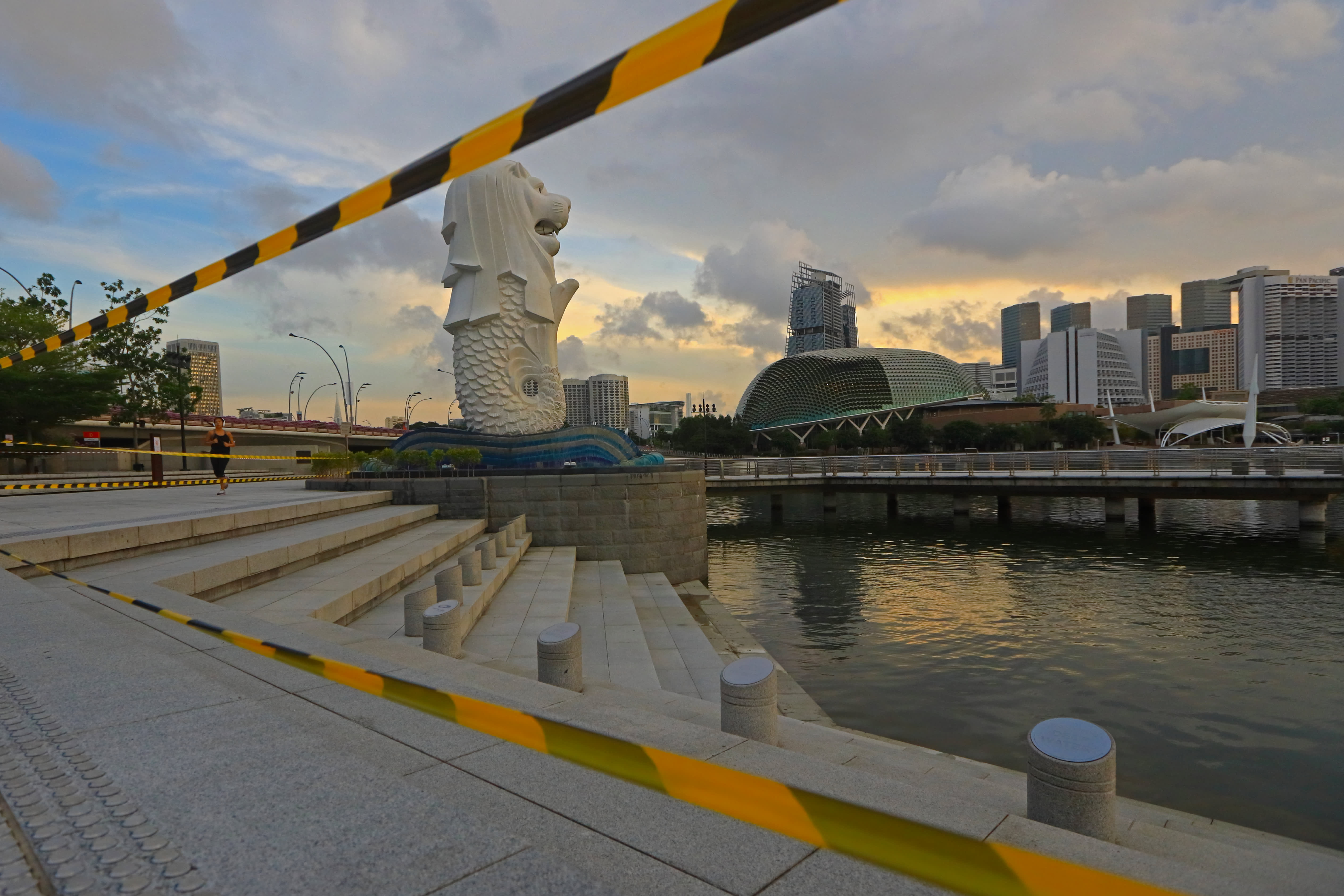 Singapore stocks fall 3% as Covid restrictions tighten, travel bubble with Hong Kong likely delayed
