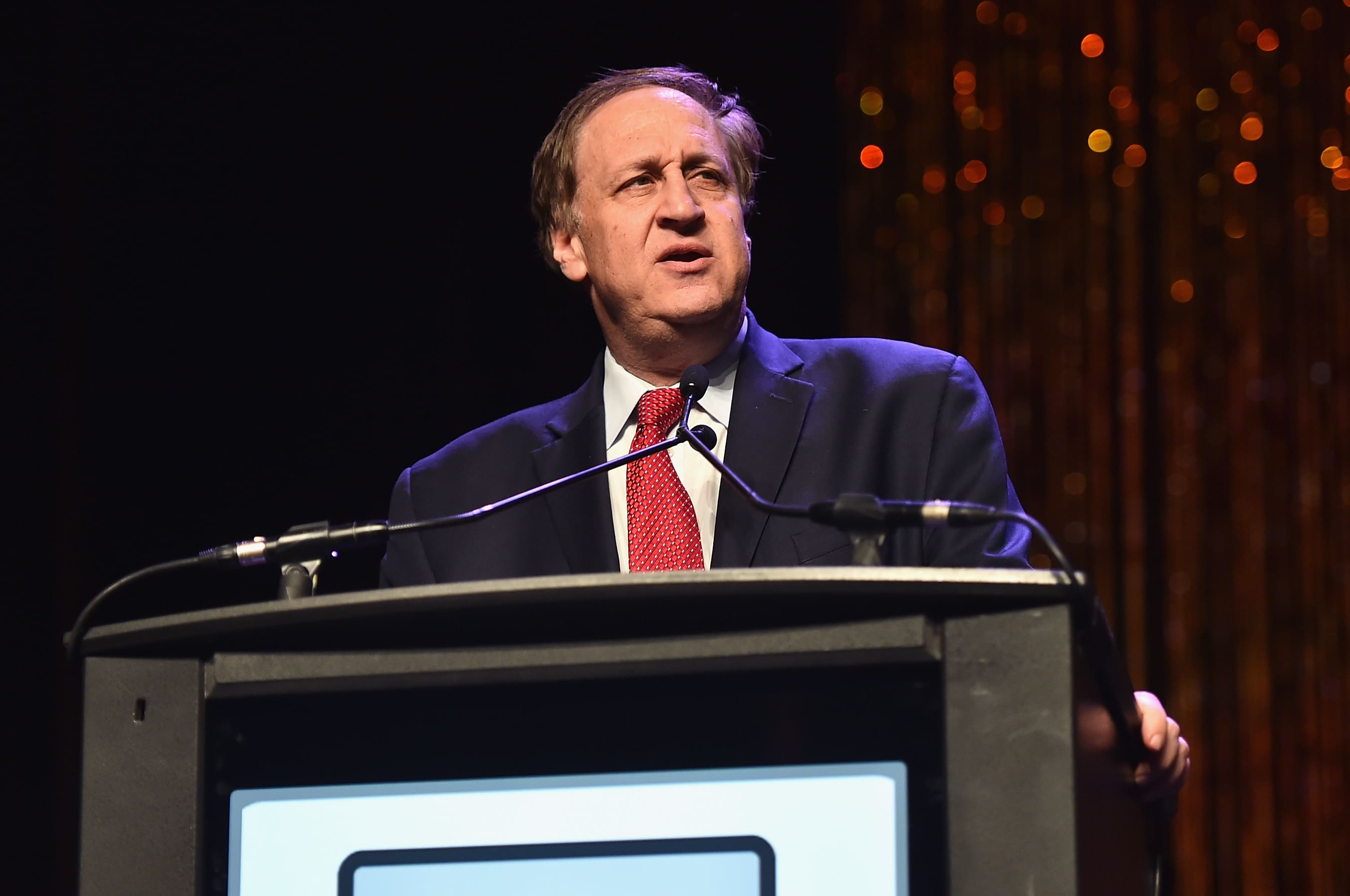 AMC CEO Adam Aron urges shareholders to support plan to issue 25 million shares