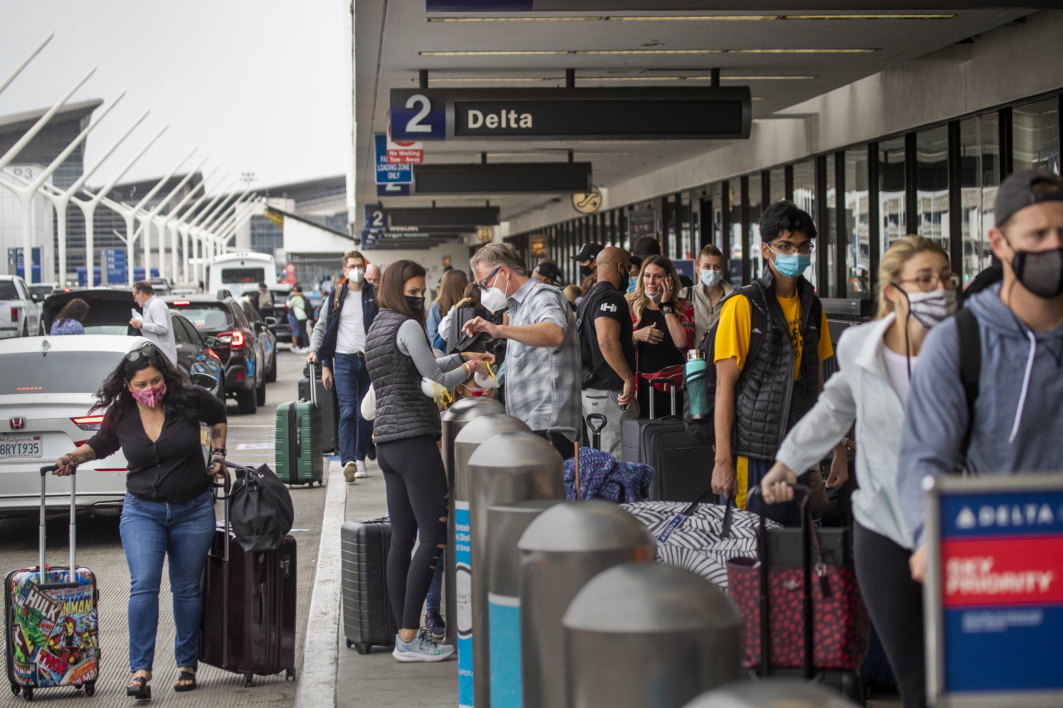 Airport screenings top 2 million a day for first time in pandemic