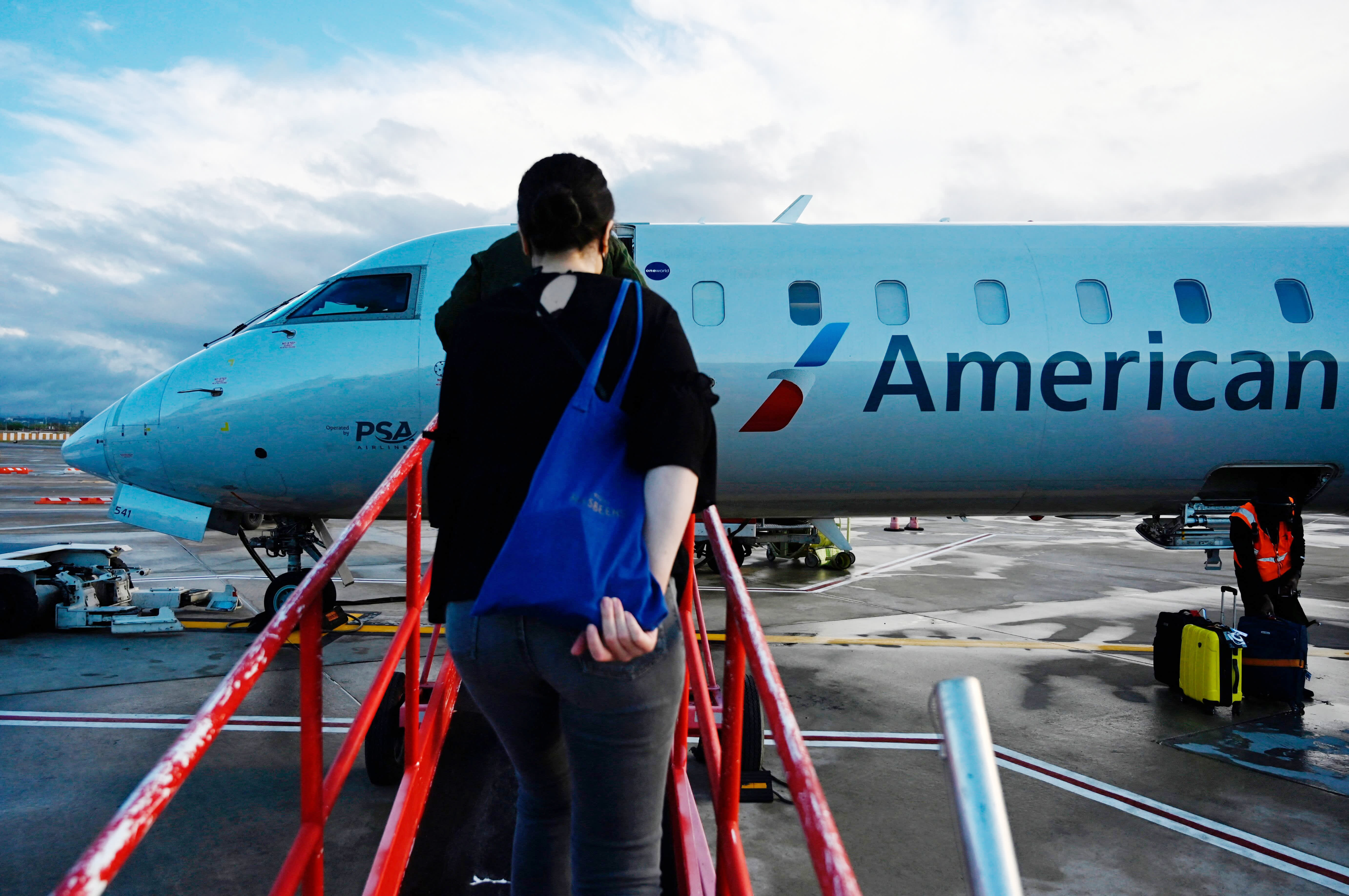 Airline stocks, Boeing tumble as Covid cases climb