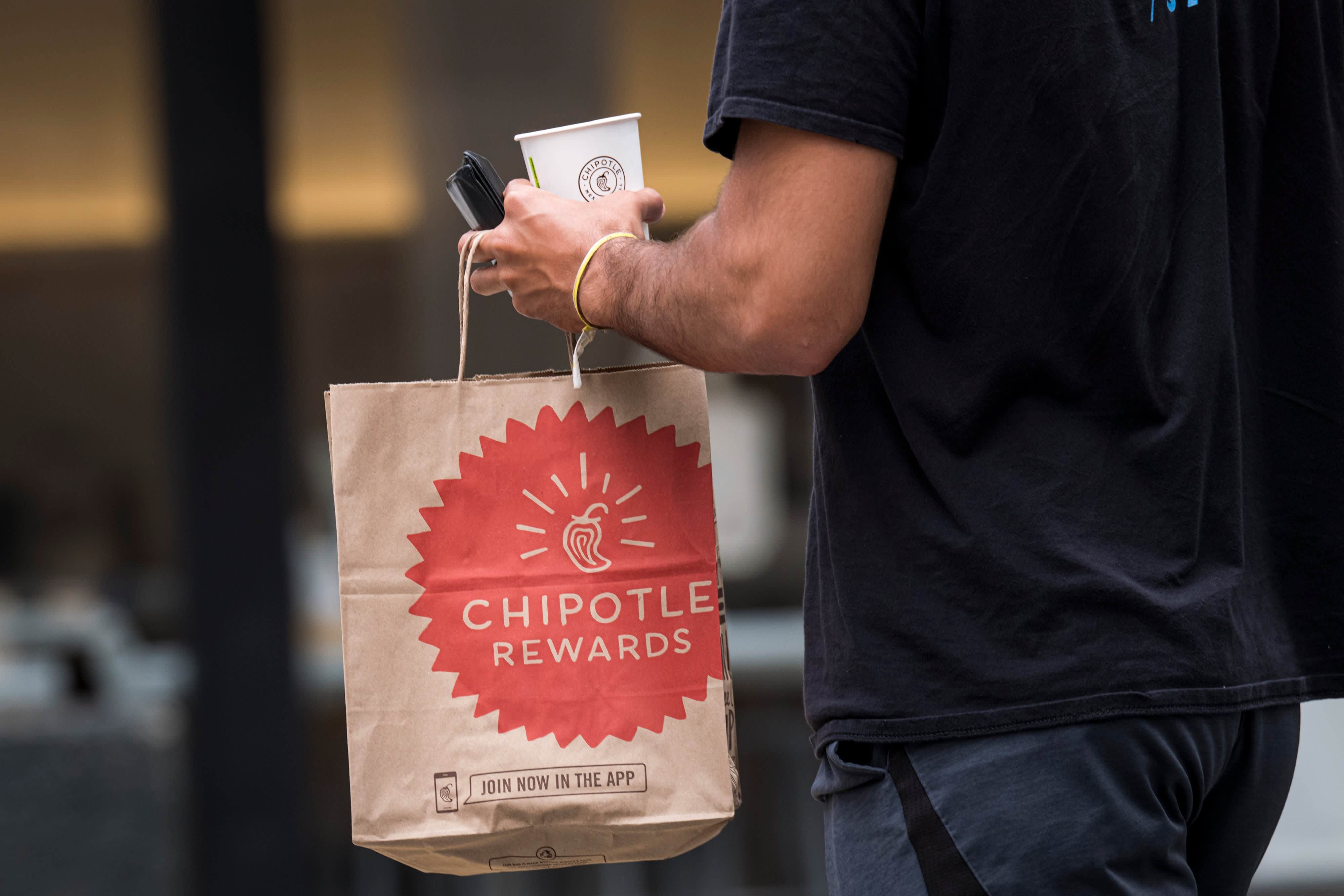 Jim Cramer reacts to Chipotle big earnings beat: 'Chipotle delivered'