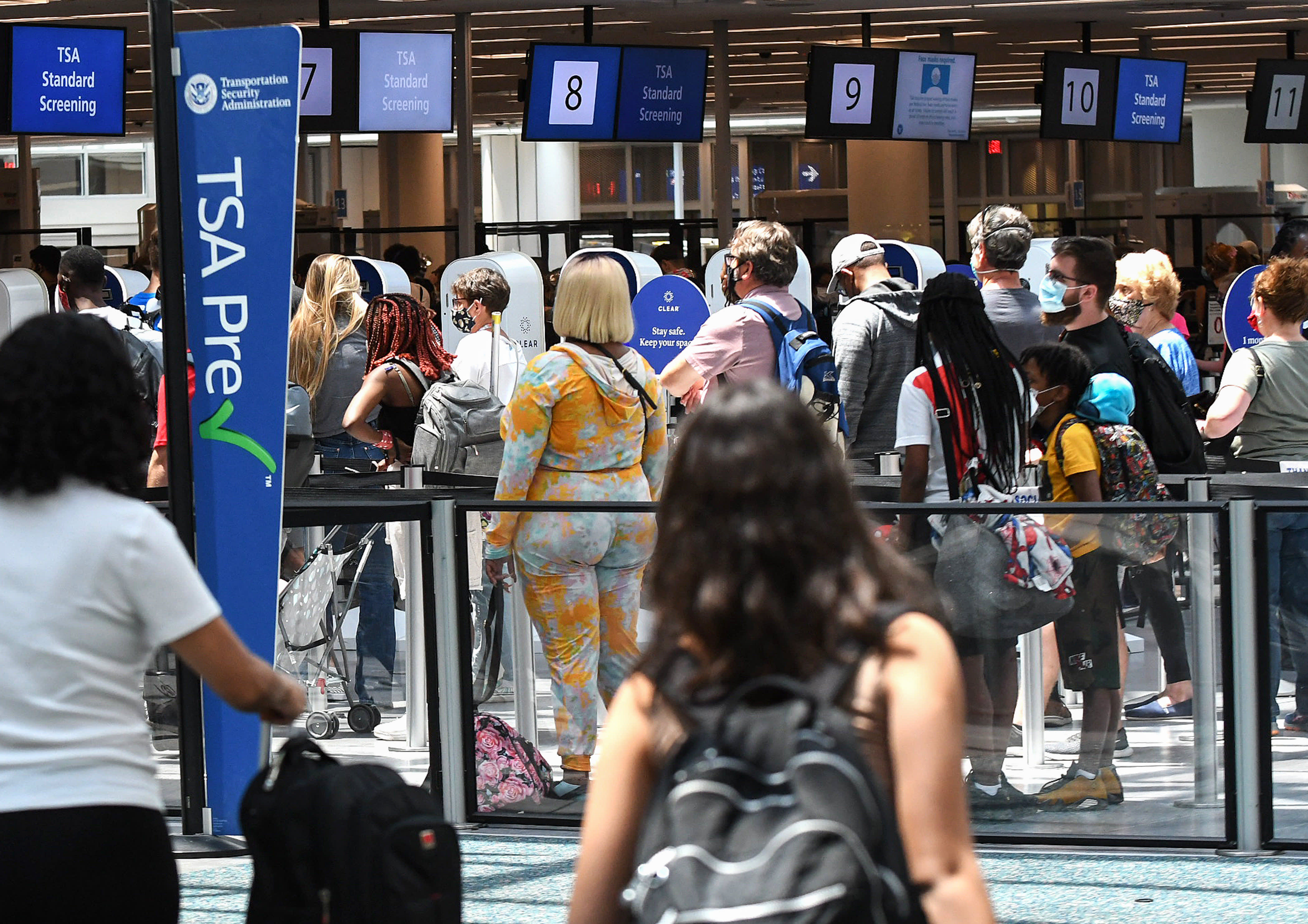 TSA screenings surpass 2019 levels in pandemic first as airlines, airports scramble to staff