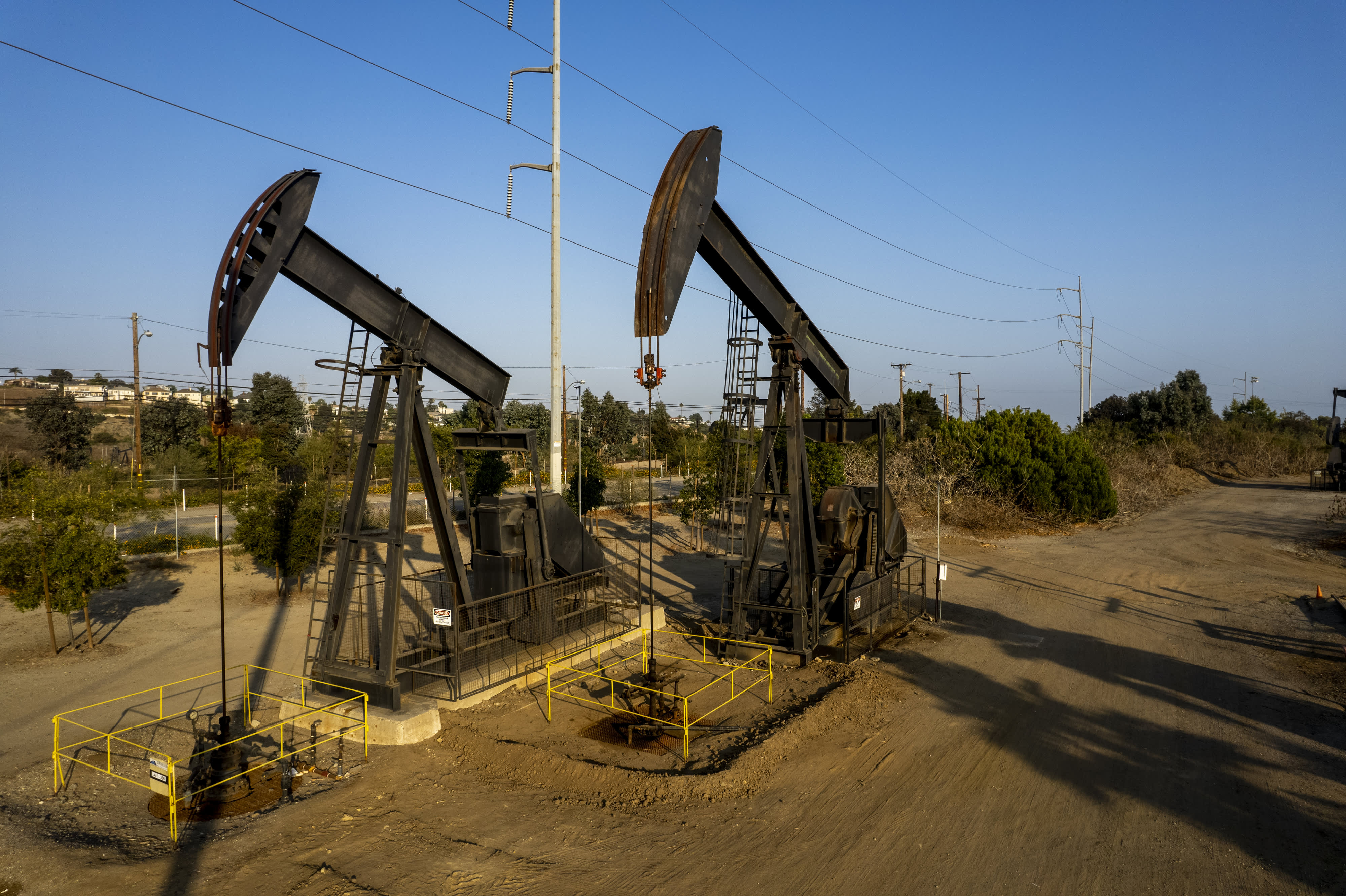 Crude falls 4% more on surging Covid cases, following worst week since October for oil