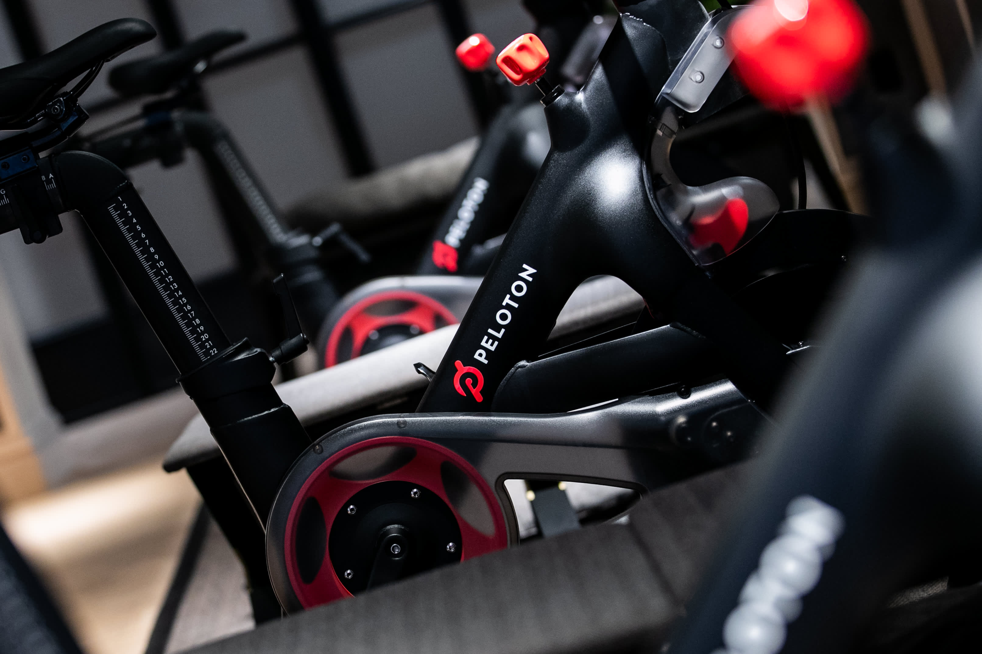 Peloton shares fall after cycle maker posts disappointing earnings and outlook; cuts Bike price