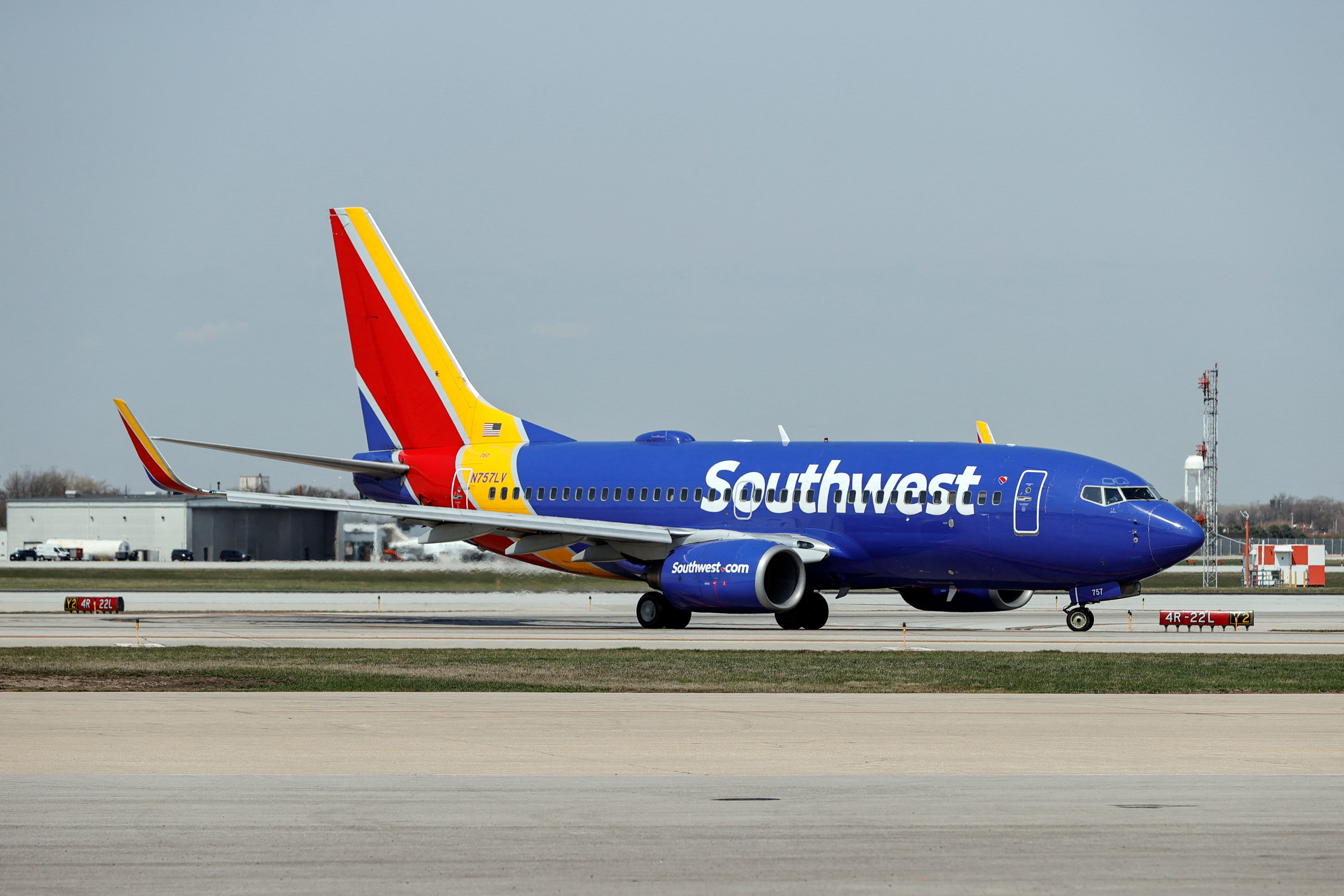 Southwest weighs schedule changes, apologizes to staff after complaints about a grueling summer