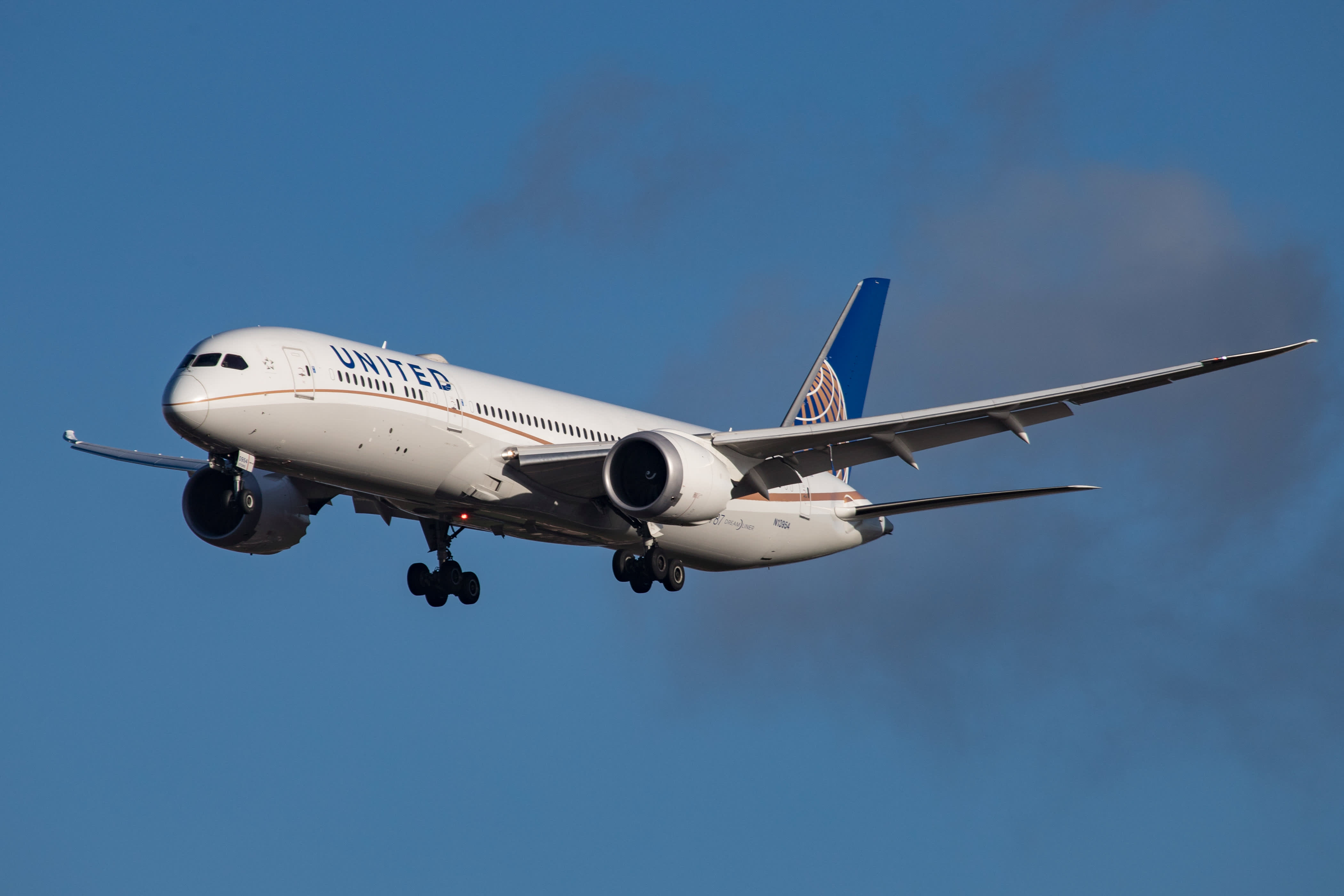United Airlines reroutes planes around Afghanistan, Emirates suspends Kabul flights