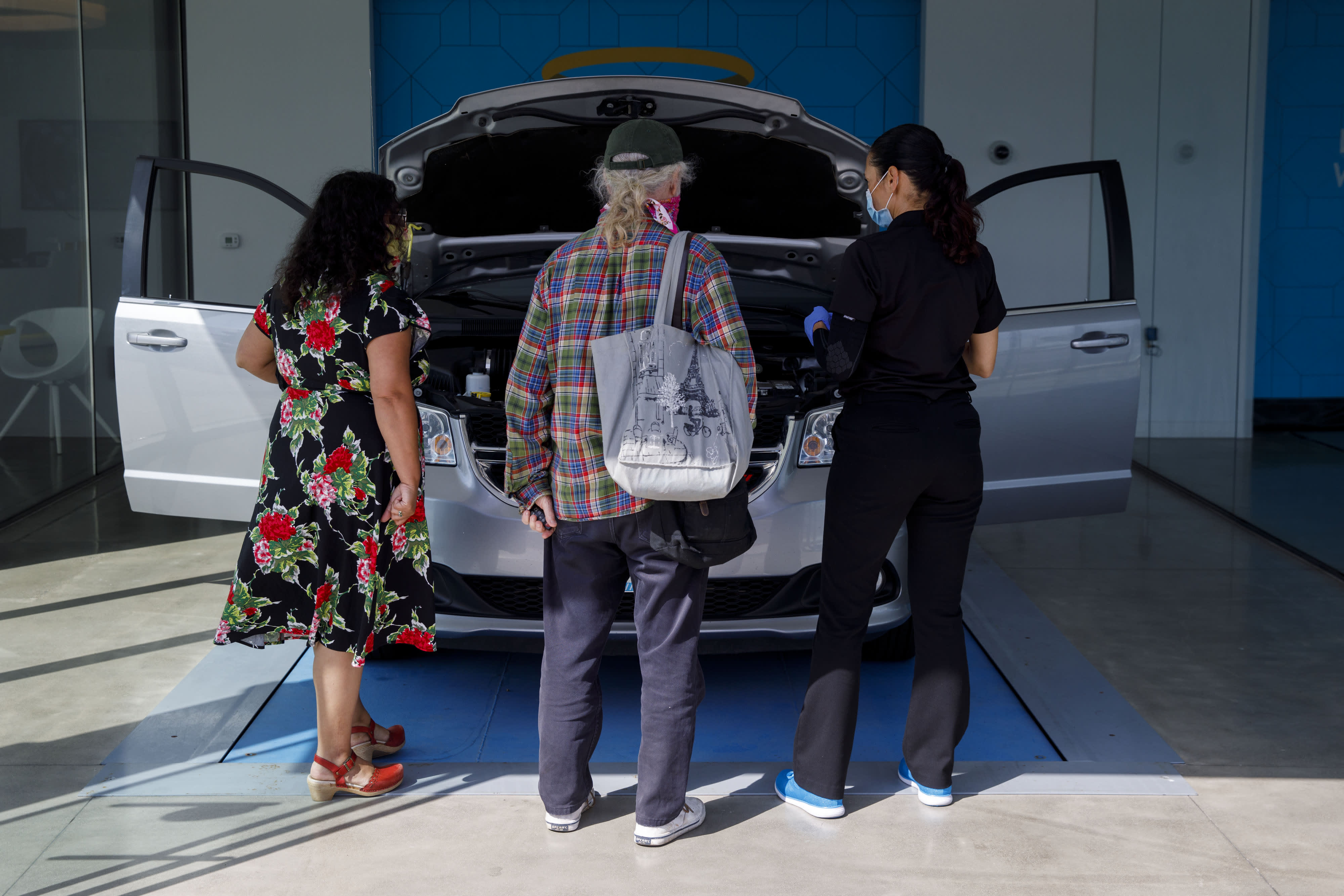 Used car prices to stay high until automakers can fix production issues: Carvana CEO