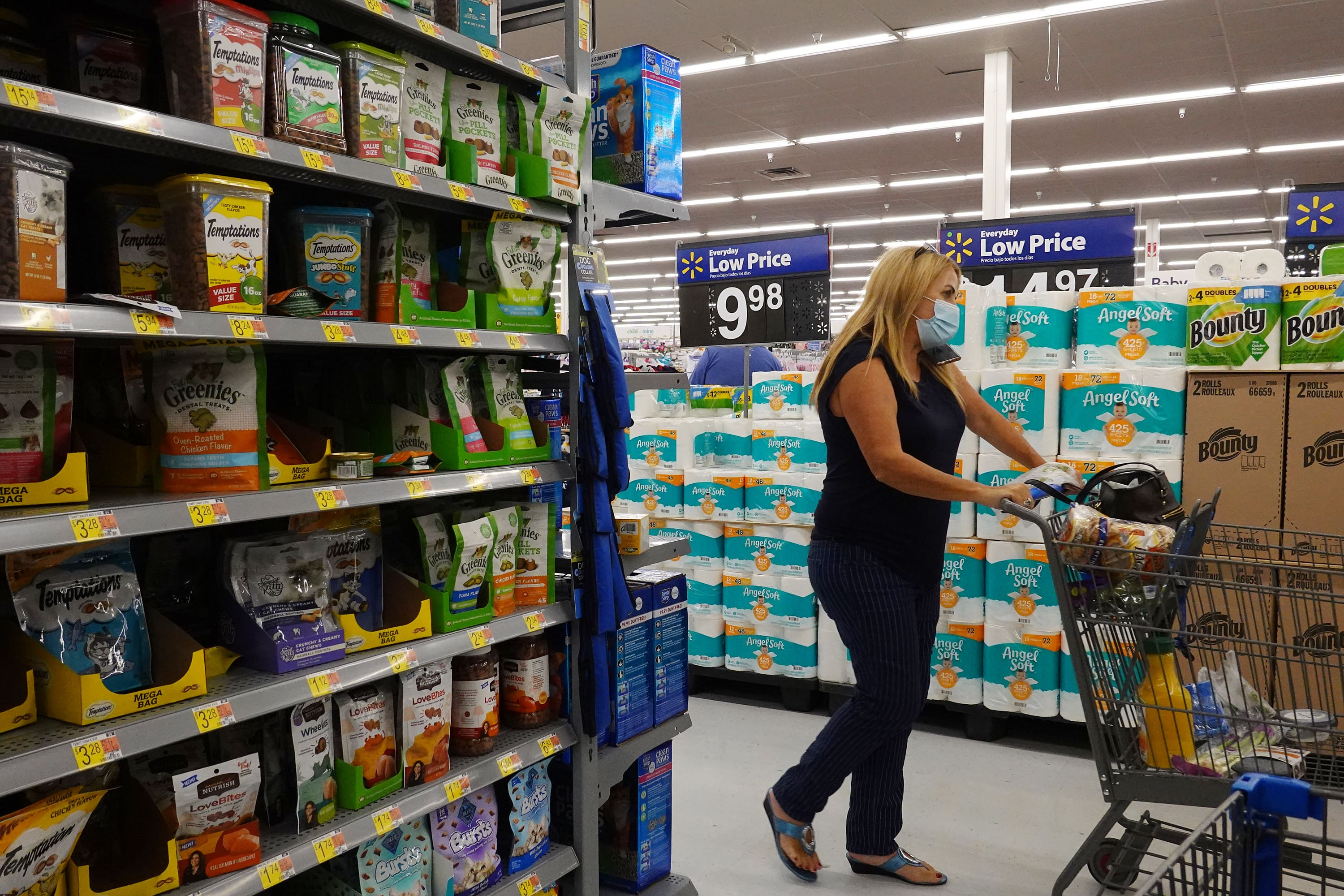 Walmart earnings top estimates, fueled by strong grocery sales and back-to-school spending