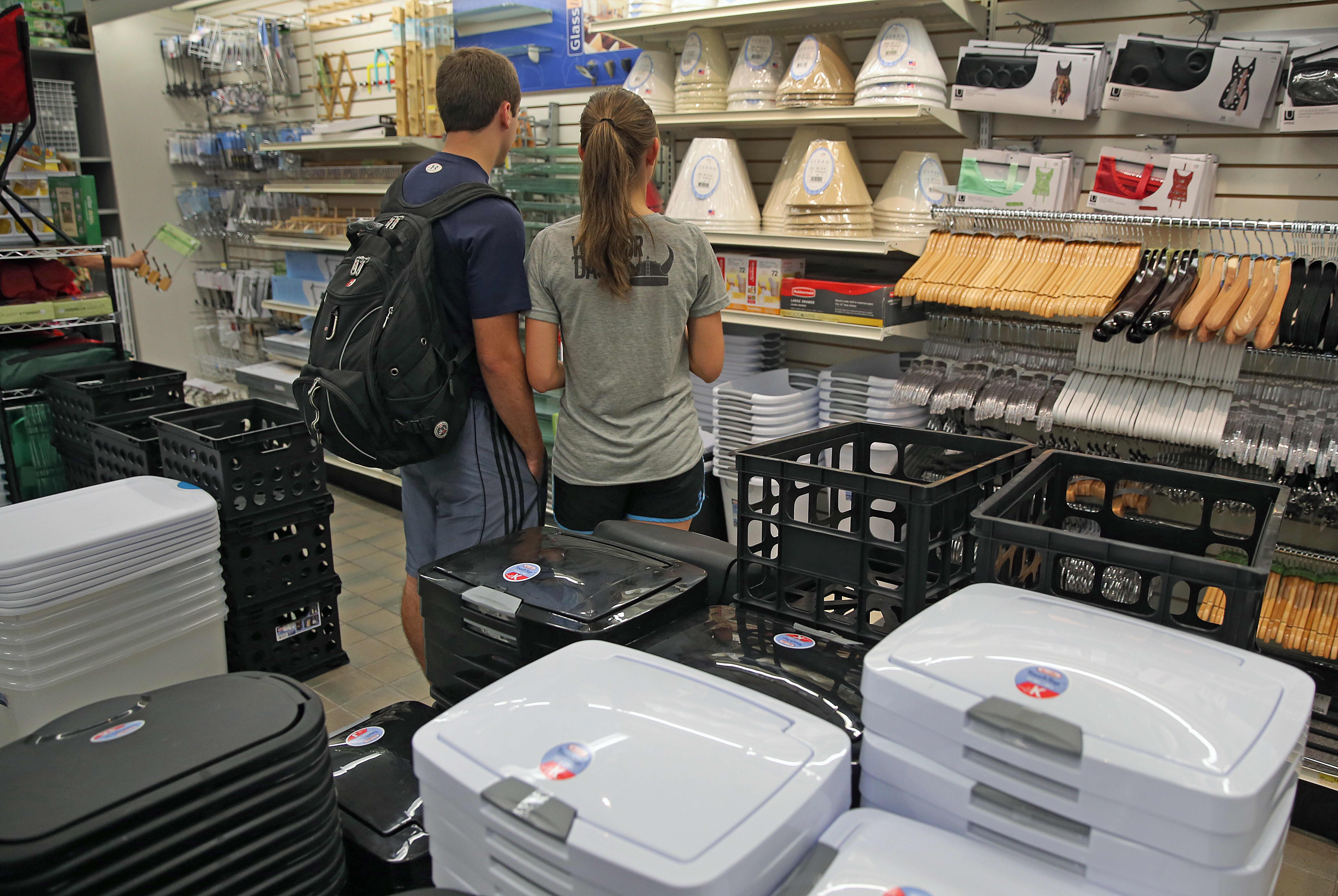 With college kids returning to campus, back-to-dorm spending on track to make bigger—but later—splash