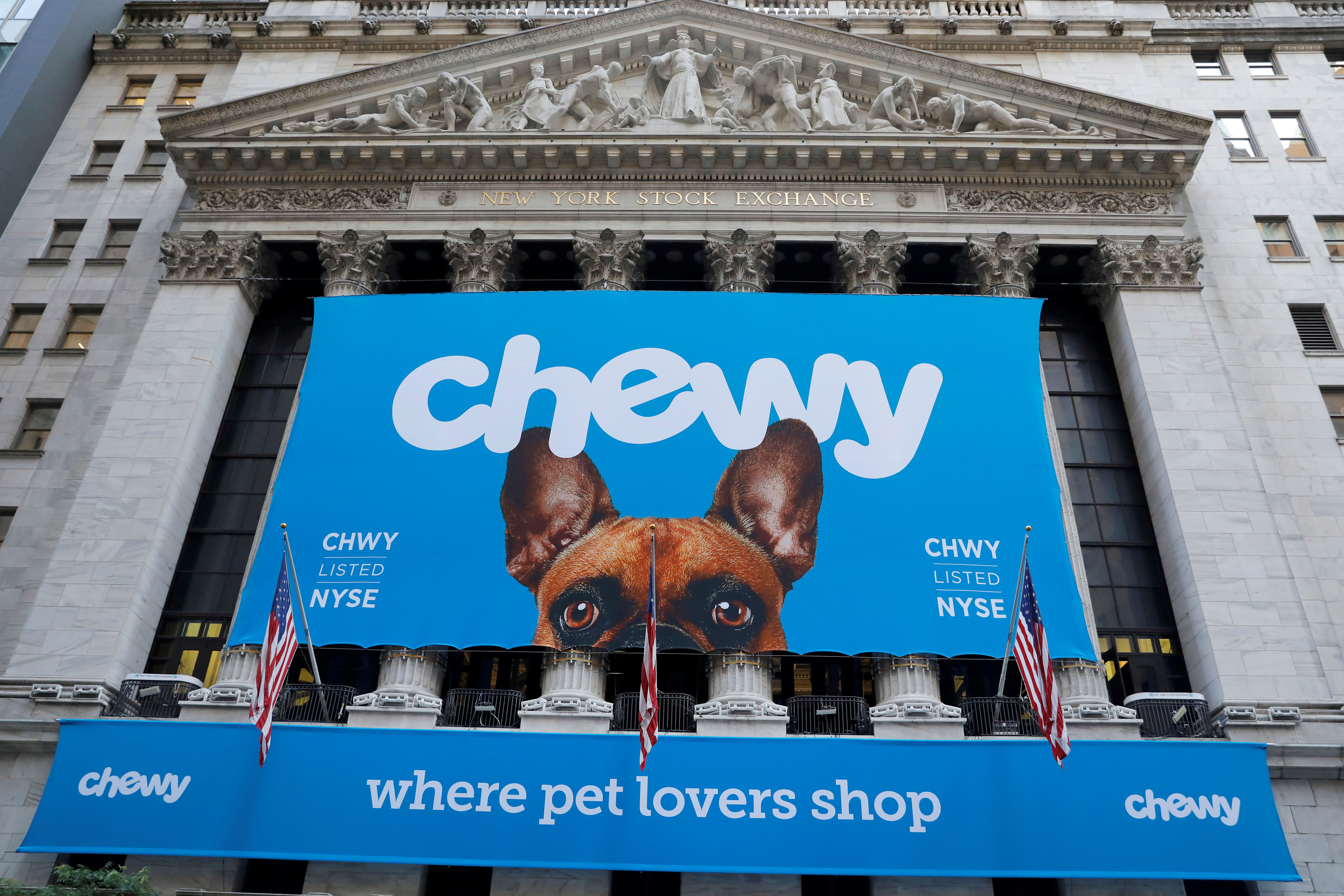 Chewy shares tumble after pet retailer's earnings and forecast disappoint