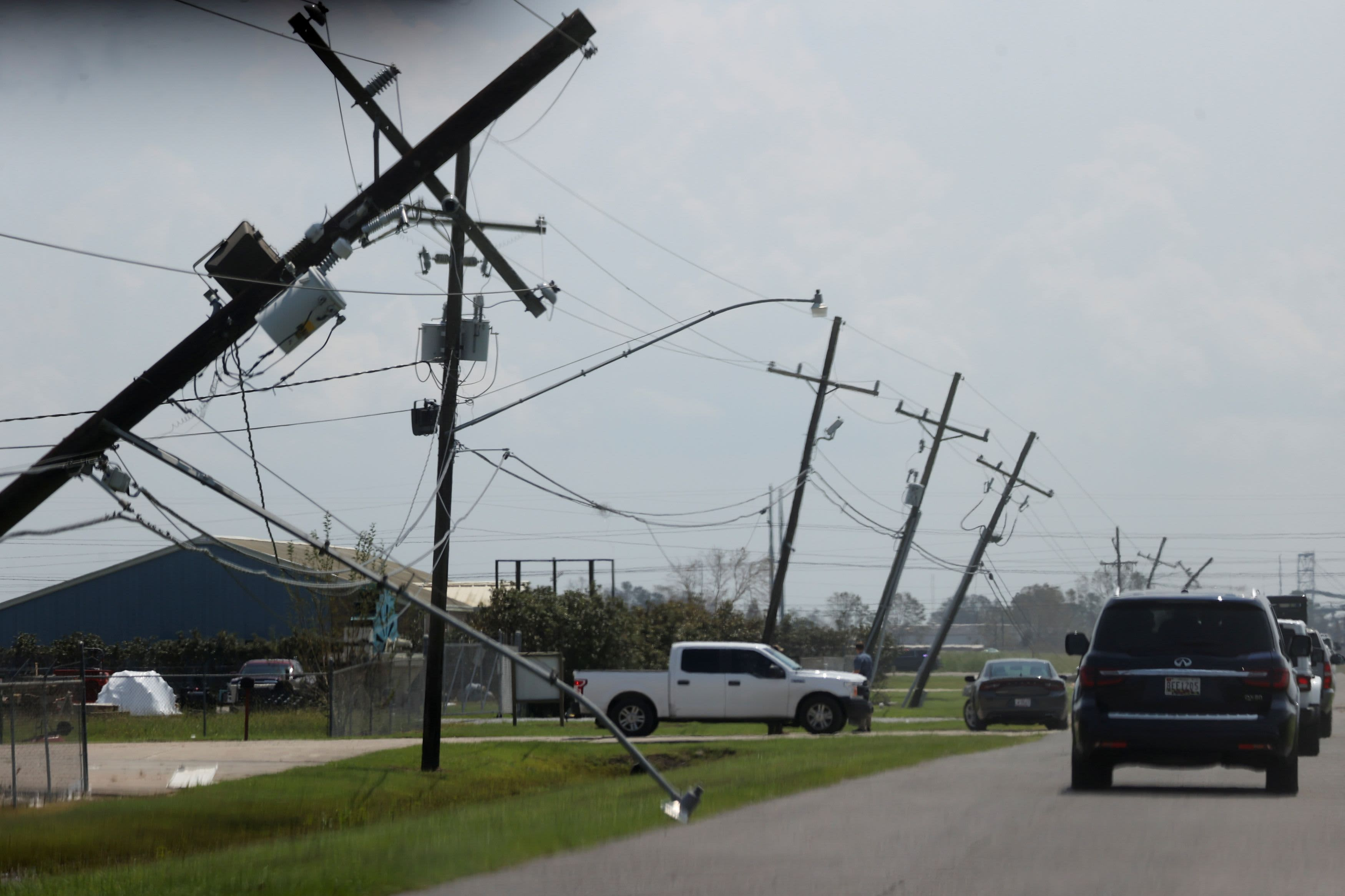 Half a million without power in Louisiana, Mississippi amid new flash flood warnings