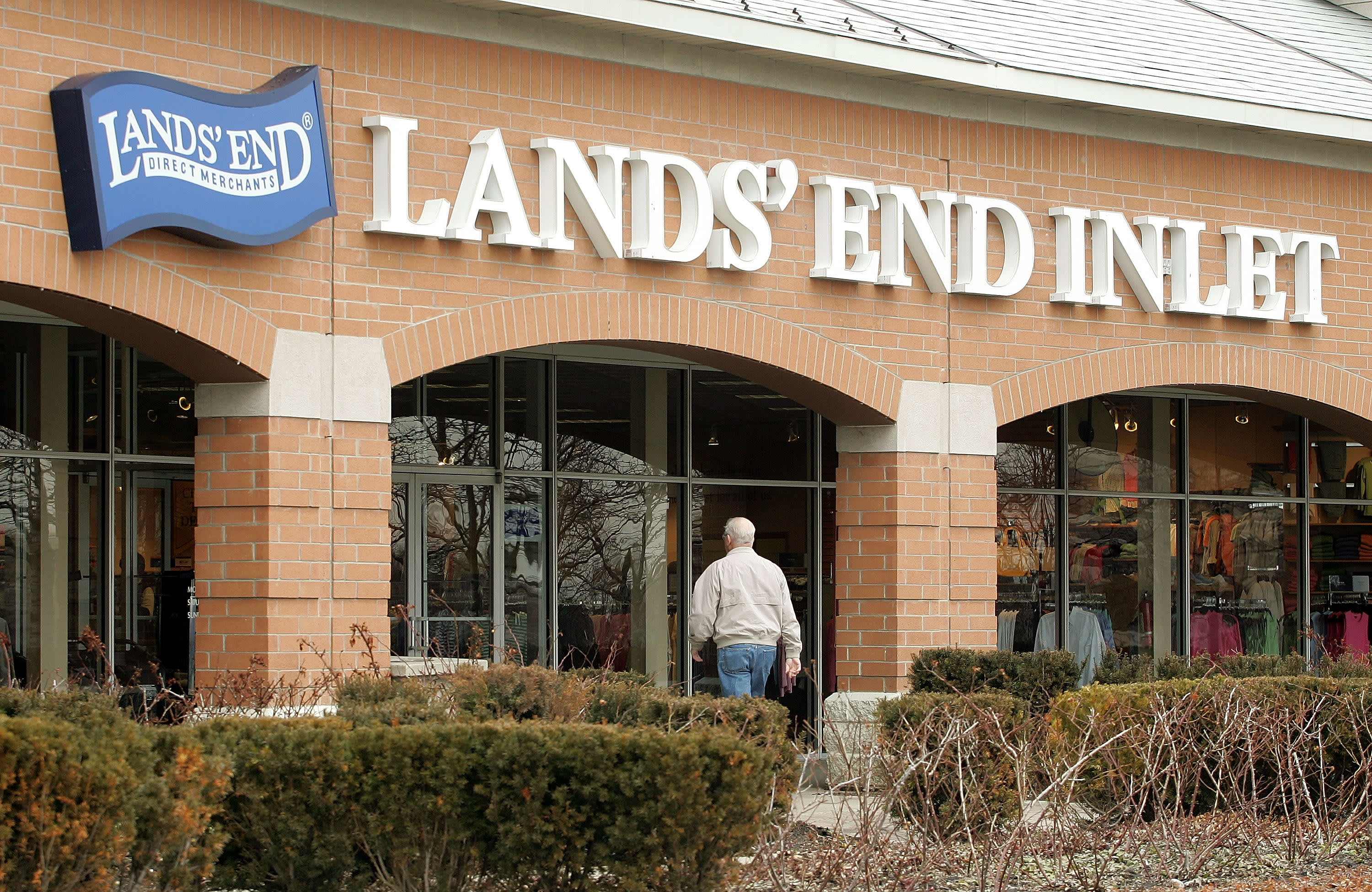 Lands' End CEO says it's difficult to accurately predict the holiday season due to factory delays